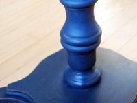 Pedestal table in Graphite