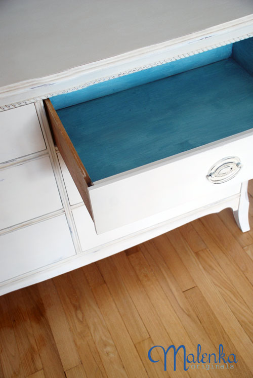 A turquoise wash in the drawers
